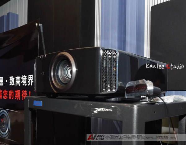 JVC 3D高清投影机XC980上市简评