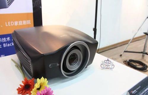 奥图码最新旗舰HD90投影机发布