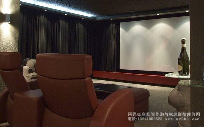 多声道影院与高清3D变形镜头组建视听室