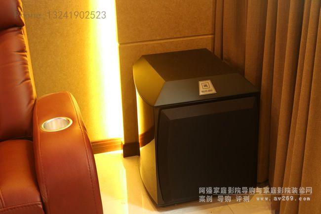 家庭影院里的JBL极品低音炮 Array1500