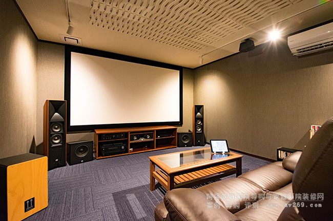 JBL音箱Studio580组建的5.2.4家庭影院