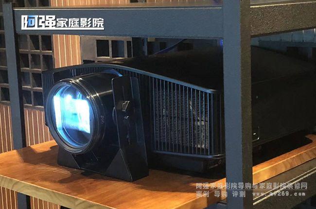 索尼768投影机