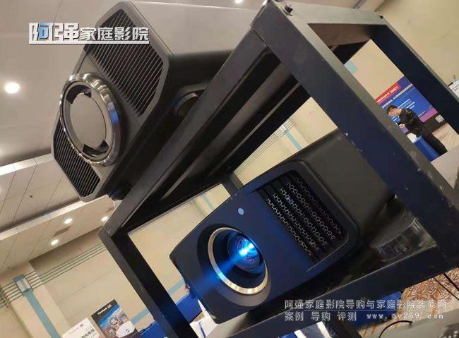 """JVC旗舰""""宙斯""""Z1C 原生4K新品N6BC动态演示"""