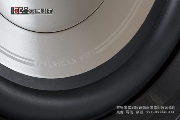 HTS12采用12英寸的长冲程低音单元,内置400W D类功放