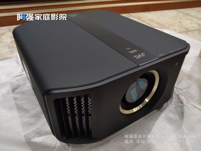 JVC DLA N8BC开箱